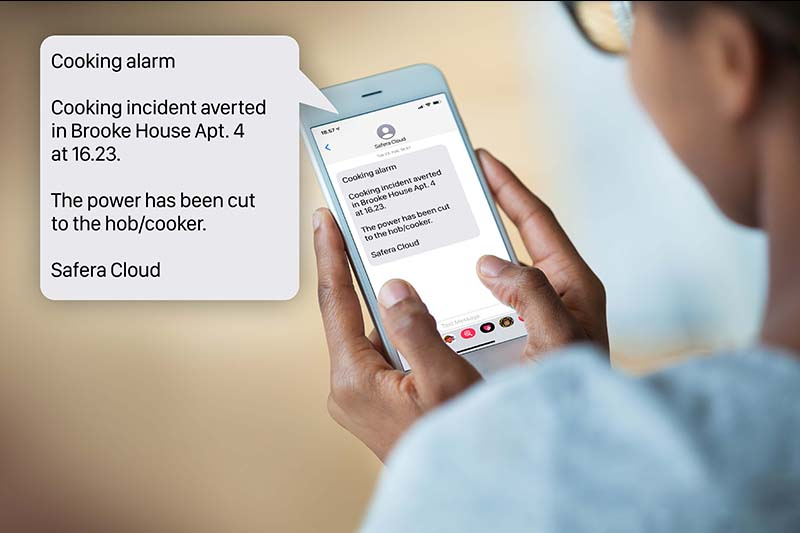 Safera sends a remote alarm by SMS about cooking hazards